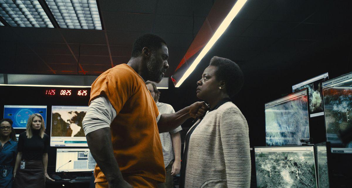 Idris Elba como o Sanguinário em O Esquadrão Suicida